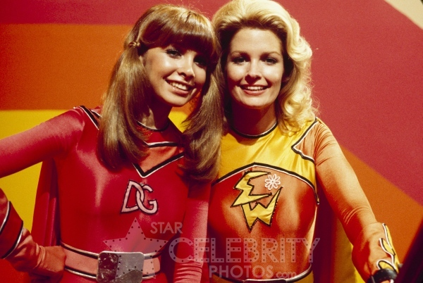 IMAGE(http://celebrarty.com/PHOTOS/TV-E/Electra_Woman_and_Dyna_Girl/images/Electra_Woman_30.jpg)
